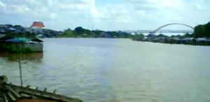 Sungai Kahayan dari Kampung Flamboyan, cat minyak, Andriani S. Kusni, 2009