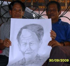 FX. Suryo Sulistyo, Karikaturis asal Solo, guru di SMP Katolik Palangka Raya. Turut mengasuh majalah siswa bernama SISWARTA. (Foto & Dok. Andriani S. Kusni, 2009)