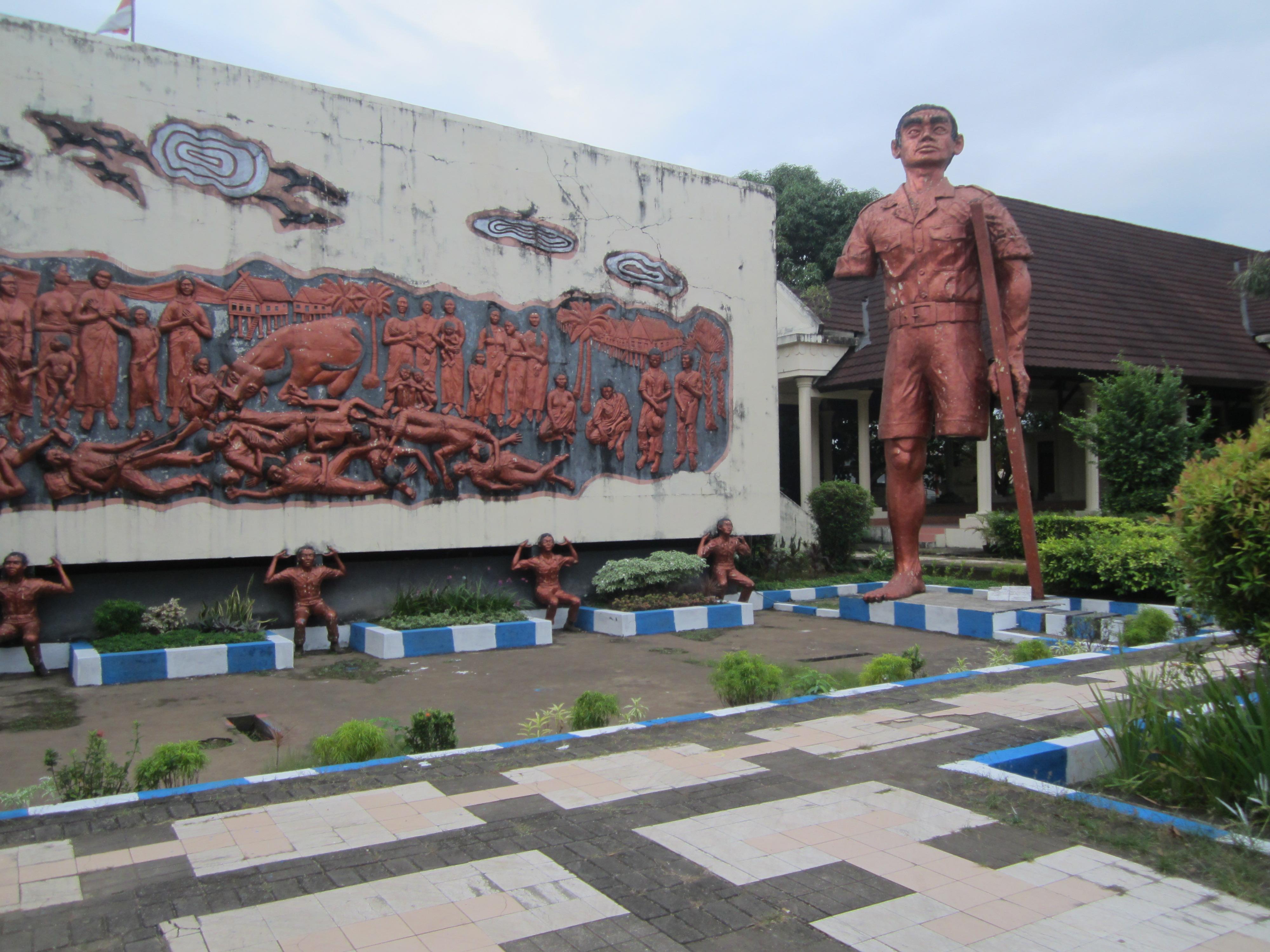 Image result for relief pembantaian massal belanda terhadap rakyat indonesia