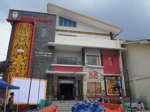 Gedung Institut Dayakologi dan Majalan Kalimantan Review, Pontianak (Foto.Dok. Lembaga Kebudayaan Dayak Kalimantan lanTengah/Kusni Sulang,2013)