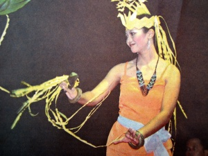 Salah satu tari Dayak dalam Festival Seni Pelajar Se- Kalimantan Tengah (Dok. Lembaga Kebudayaan Dayak Kalimantan Tengah, 2013).