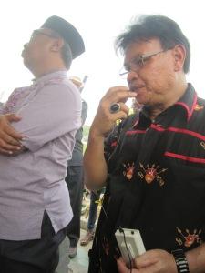 Prof. Dr. Danes dari Universitas Palangka Raya (Unpar) menyampaikan pidato belasungkawa.